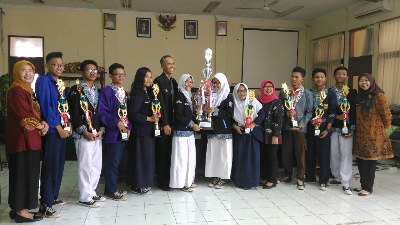 The Best of the best osis award SMPN 12 Bekasi - (Ada 4 foto)